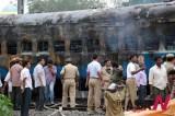 印度列车火灾 死亡者47人