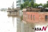 浸没在暴雨中的朝鲜安州