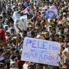 马拉多纳私访印度受到球迷热烈欢迎