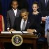 奥巴马动用总统权力 签署控枪法案